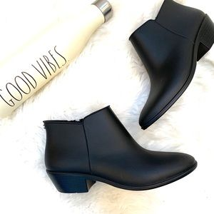 "Sam Edelman ""like New"" Black Petty Rain Boots"